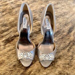 BADGLEY MISCHKA Platinum Evening Heels Sz 9